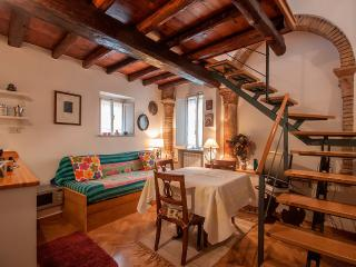 Lovely, small apartment on Corso Vittorio Emanuele II. Near Piazza Navona