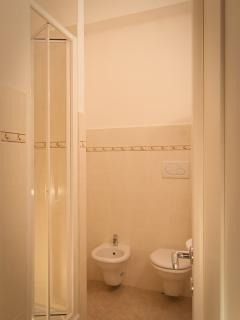 09 principe amedeo bathroom
