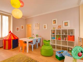 DOLCE FAMILY apartment. Child Friendly Apartment in the city centre