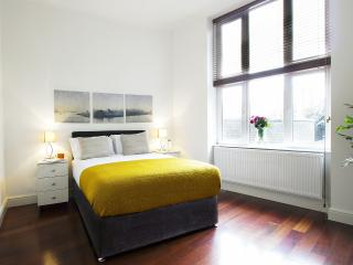 Kensington One - Two Bedroom Apt 1, London