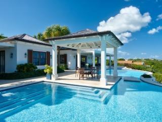 Stunning 4 Bedroom Ocean View Villa with Pool in Providenciales
