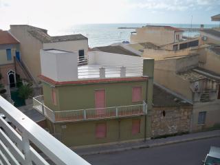 Attico con vista mare a 50 metri dalla spiaggia, Scoglitti