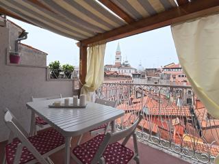 Residenza Tiziana un attico tra i tetti San Marco