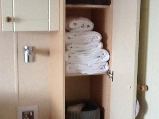 plenty of towels for enjoying the hot tub