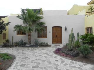 Beautuful Loreto Bay house 60 yds from ocean