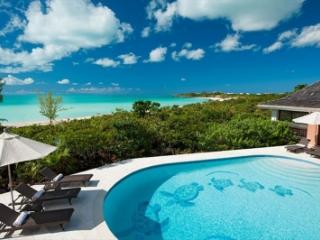 Secluded 4 Bedroom Beachfront Villa with Pool on Chalk Sound, Providenciales