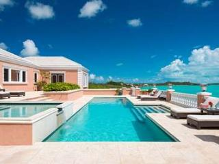 Dazzling 5 Bedroom Oceanfront Villa with Pool on Turtle Tail