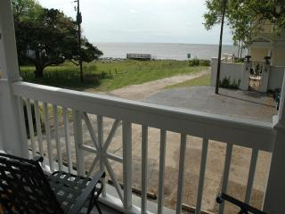 Ocean View 2 Bedroom Condo 2nd Floor, St. Simons Island