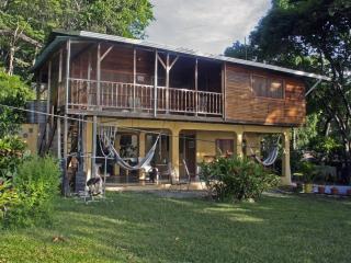 Casa Amanecer Samara Beachhouse Hostel, Playa Samara
