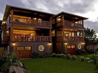 Bali Style Oahu Hawaii Oceanfront Beach House, Waialua