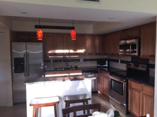 Great 2nd floor unit fully upgraded!!, Nápoles