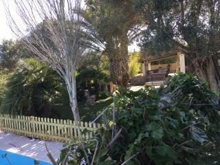 Casa rural con piscina y jardín cerca playa vistas