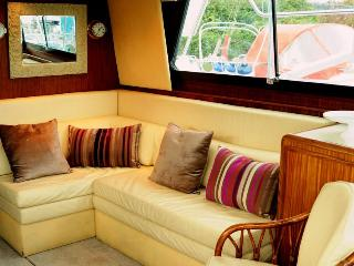 lounge area with plenty of seating, dvd ,TV .The sofa changes into a single bed