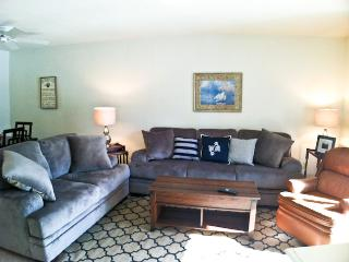 Street Level, King Bed, 2 ACs, WIFI, 4 Pool Passes (Fees Apply) - EA0616, Brewster