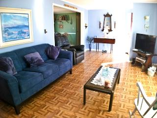 Walk to Inman Beach, Large Deck, WIFI - - DE0623, Dennis