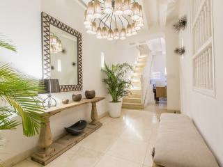 Stylish 7 Bedroom Mansion in the Old Town, Cartagena