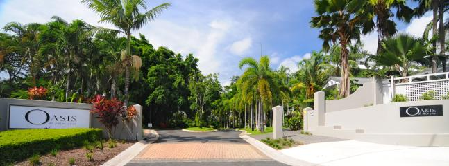 Oasis at Palm Cove front entrance