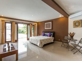 Excellent 4 Bedrooms Villa In Bali