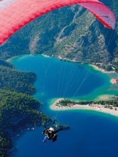 Paragliding very popular