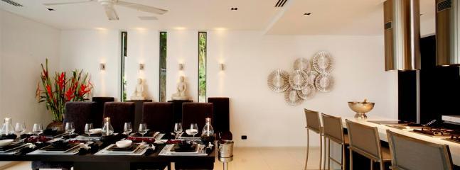 Villa Zamani Dining