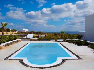 Amor Hideaway two bedroom villa with pool, Exo Gialos