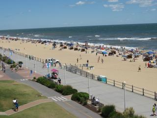 Ocean Key Resort: 2-BR, Sleeps 6, Full Kitchen, Virginia Beach