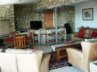 The Stone House in Gansbaai Self-catering house, De Kelders