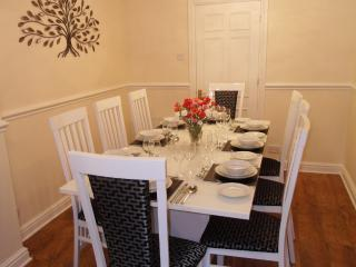 Brookside Cottage - Sleeps 10 From L520
