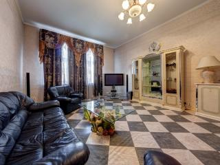 Luxury apartment on Nevsky Prospect