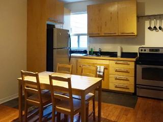 2 bdrm +sofabed, steps to subway in Bloordale!, Toronto
