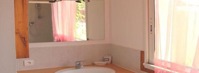 vasque coté salle de bains