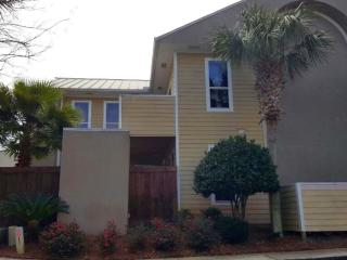 Beach Pointe Townhouse - $99 nt special 4-17 to 22 & 26 to 5-6, Destin