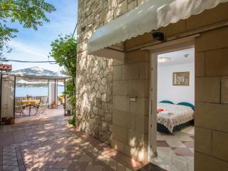 Apartment with private beach, Dubrovnik