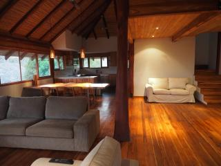 Beautiful Teak Apartment, Montezuma
