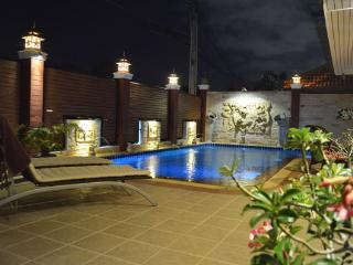 Luxury Spa & Gym villa with pool and Jacuzzi