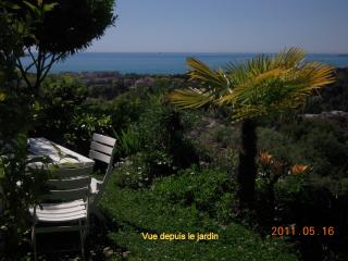 Entre Nice et Antibes, magnifique vue mer, calme