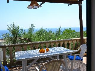 ARANCIO apartment in peaceful location