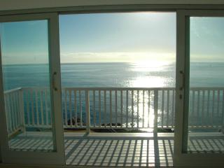 180 degree sea view from living room