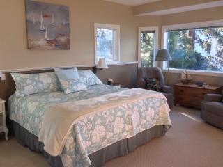 Winery Side Suite- Cozy getaway!, Winfield
