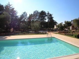 Trullo Jemma - private pool, free wifi, BBQ, Ceglie Messapica