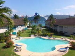 Penthouse In Paradise, 3 bdrm incl. housekeeper, Montego Bay