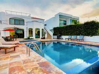 LUXURY home in El Cid Marina
