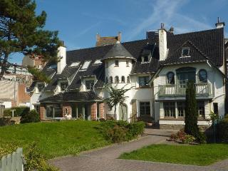 CASTELMARETAK gezellig App aan zee WIFI / PARKING, Sint-Idesbald