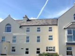 Laxey Beach Apartment Isle of Man, vacation rental in Andreas