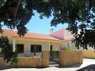 Ville Situe 3.5 km de la plage, 3 chambre ,WIFI