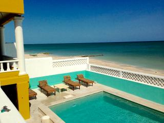Beach Dreams Jaguar Villa - Near Merida & Progreso
