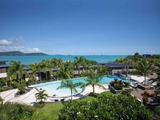 Whitsunday unit with ocean views, Cannonvale