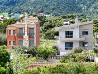 Sea view villa 1st floor-sandy beach 150 m away., Porto Rafti