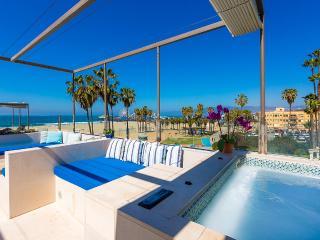 Blu Santa Monica U3, Sleeps 6