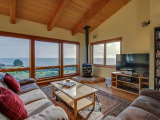 A private hot tub, ocean views & close to Pebble Beach!, Sea Ranch